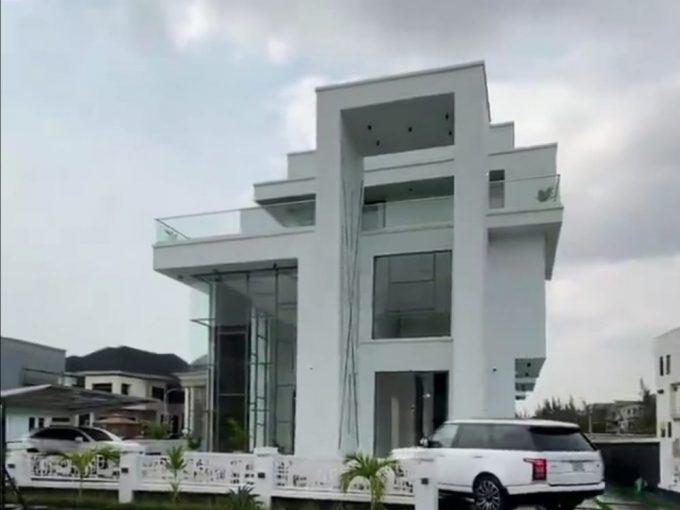 The Planeto, Lagos